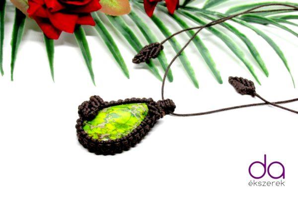 Sötétbarna makramé nyaklánc, jáspis kővel