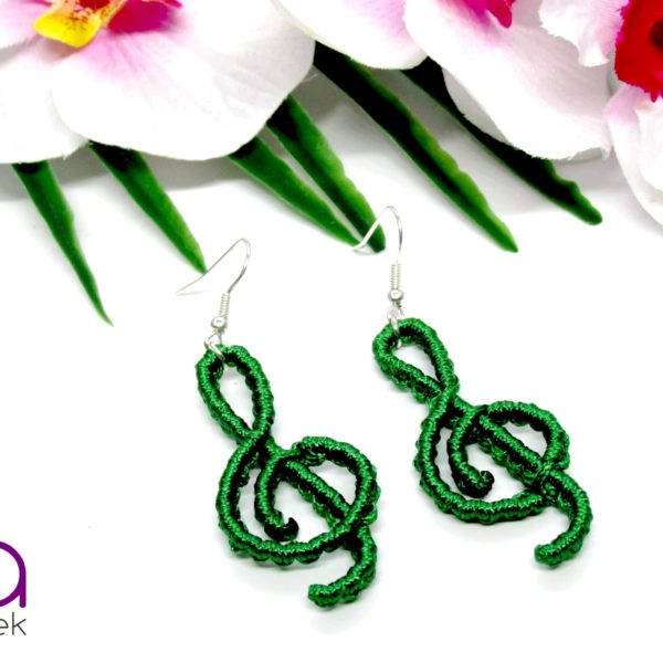 Violinkulcs fülbevaló – smaragdzöld